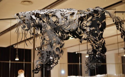 Paper Cut Sculpture - Nahoko Kojima Cloud Leopard - Paris