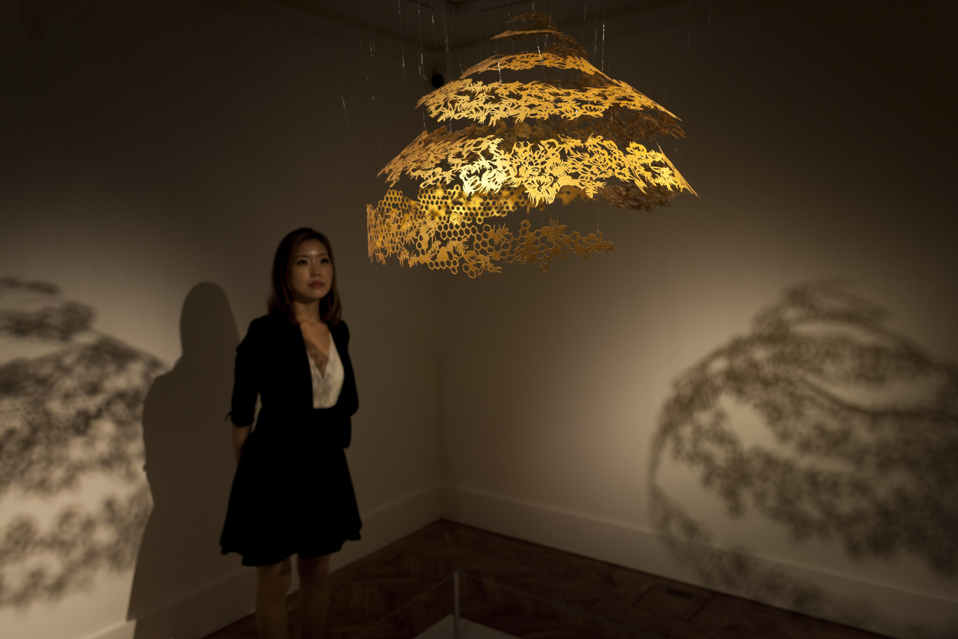 Holburne Museum, Bath, Nahoko Kojima, Contemporary Paper Cut Artist, Queen's Royal Collection Gold - Honey - Paper Cut Sculpture
